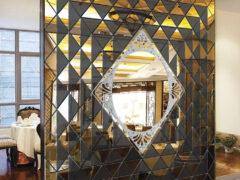 Зеркальное панно – доступная роскошь для каждого россиянина
